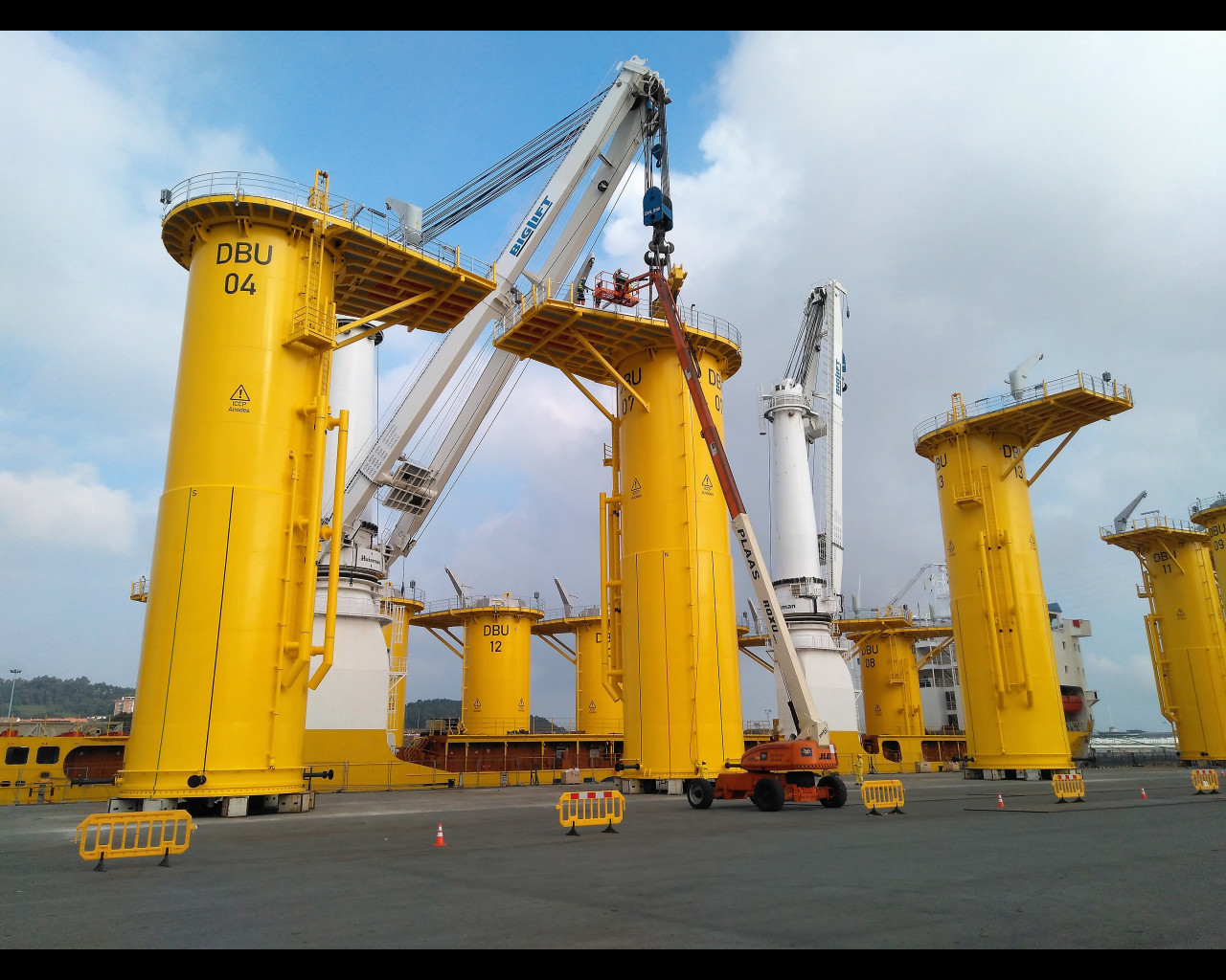 Offshore Foundations.jpg